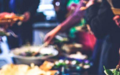 Ons Afrikaanse feest wordt via de Zwolse weekbladen bekend en gesteund door Zwolse ondernemers